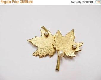 ON SALE Vintage Leaf Pin with Pearls Item K # 2822