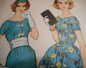 Vintage 1950's McCall's 4922 Dress Sewing Pattern Size 12 Bust 32