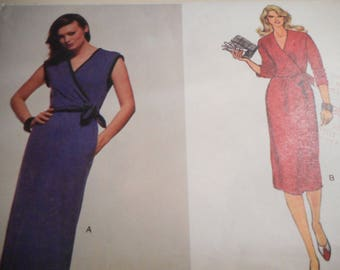Vintage 1970's Vogue 7618 Dress Sewing Pattern Size 12 Bust 34