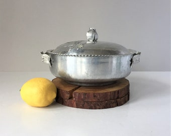 Hammered Aluminum Casserole, Vintage Serving Dish, Tulip Pattern Covered Dish, Metal Dish With Lid, 1950s Kitchenalia, Retro Dining