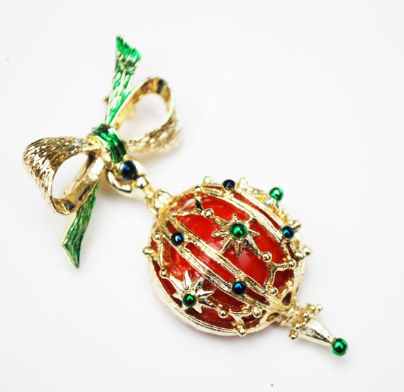 Christmas Ornament Brooch - Holiday pin - Redball - Gold bow dangle pin