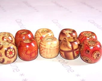 10 wooden beads decorated with patterns and varnished (Europeans formats)