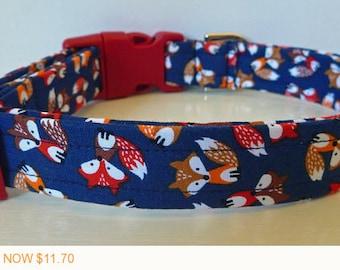 "Puppy Love Sale - 40% Off Little Foxes on Navy Fabric - Summer Dog Collar - Red Browm & Orange Foxes ""Foxy"""