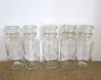 glass spice bottles with lids, 5 small bottles, spice jars, vintage kitchen, clear glass bottles with tops, apothecary, display bottles