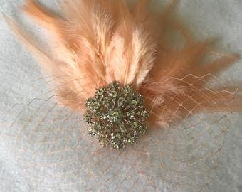 Peachy Pink Bridal Feather Fascinator, Peach Feather Hair Clip, Peach Wedding Fascinator, Peach Feather Bridesmaid Comb,