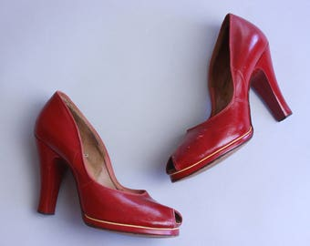 1940s Hartley heels | vintage 40s red leather peep toe platforms with yellow piping | size 6