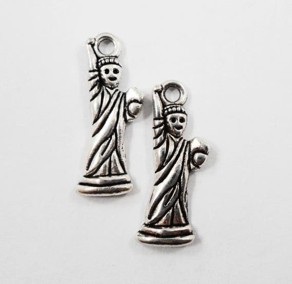 Statue of Liberty Charms 23x7mm Antique Silver Statue of Liberty Pendants, 4th of July Charms, America Charms, USA Charms, Metal Charms 10pc