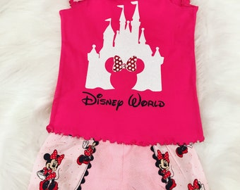Minnie Mouse shorts and shirt outfit