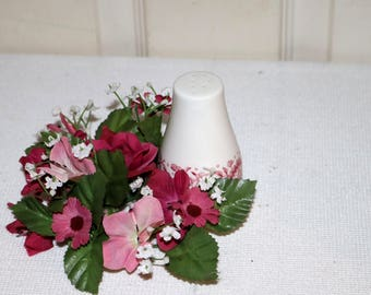 """Carefree True China by Syracuse  - """"Mayflower"""" - Pepper Shaker - White Background - Red Patterned Edge - Restaurant-ware"""