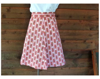 Vintage Misses Red A-line skirt with White Daisy and Forget-Me-Nots pattern, 1960s, Size XS