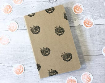 Pumpkin note book | Halloween | Moleskine | Cahier Journal | Lined pages | Lino print | Pocket size | mini | black or orange |