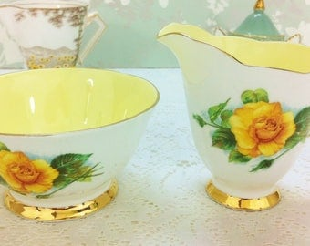 World Famous Roses Creamer and Sugar Bowl Set
