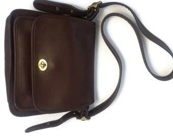 Vintage COACH Brown Leather RAMBLER Shoulder Bag Cross Body Bag # 9061 made in USA vintage 1980's excellent vintage condition.
