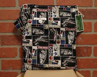 Cloth Diaper Wetbag, Star Wars, Pail Liner, Diaper Bag, Day Care Size, Holds 5 Diapers, Size Medium with Handle item #M139