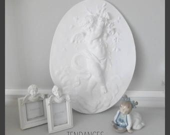 Large Medallion Angel plaster white staff 29 x 40cm