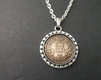 Canada Copper Colored Coin Necklace in Pendant Tray- Canada  1933 Coin Pendant with Chain