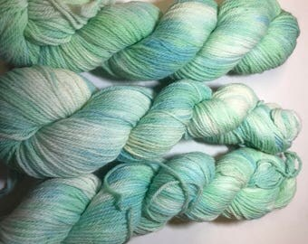 fingering weight - fingering Variegated -  Merino wool - hand dyed wool- indie dyed yarn - merino wool - sock weight yarn -  dyed  fingering