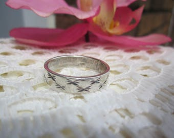 Simple band STAR etched 925 stamped silver plated RING