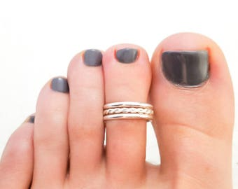 Twist Toe Ring in Sterling Silver, Twisted Toe Ring, Summer Toe Ring, 925 Sterling Silver Toe Ring, Adjustable Toe Ring