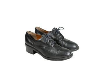 Size 6 Lace Up Oxfords with Low Heel // Lace Up Oxford Shoes by Nine West // G520
