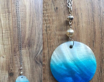 Blue ombre shell necklace