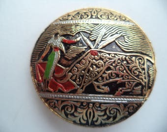 Vintage Unsigned Damascene Matador and Bull Brooch/Pin