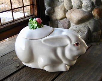 Vintage Metlox Pottery Cookie Jar, Fabulous Bunny Rabbit with Blossom, Cottage Chic, Mid Century