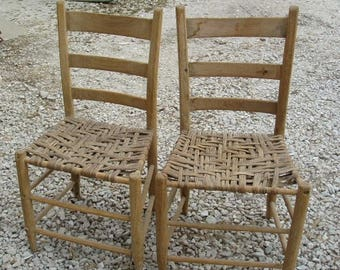 Nice Great Antique Pair Of Early Chairs With Hickory Woven Bottoms Seats