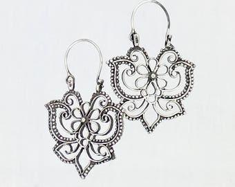 PAPALOTL - MARIPOSAS - BUTTERFLIES - Mexican vintage style hoop earrings