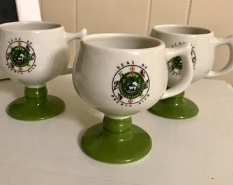 Vintage Caribe Mugs Puerto Rico Pedestal Footed Green White Mugs