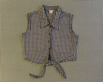 1990's, sleeveless, tie waist, button front, collar, crop top, in scrunchy, black and white, gingham checks, Women's size Small