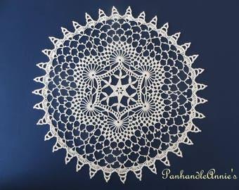 Handmade Vintage-style Swirls Doily