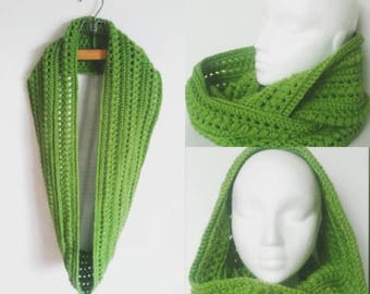 Boho Style Infinity Scarf in Spring Green
