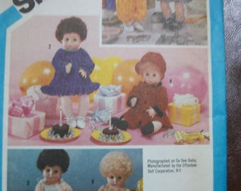 "Simplicity 6481 wardrobe for baby dolls in two sizes: Small 13""-14"" such as Tiny Tears;  and Large 17""-18"" such as Dy Dee Baby"
