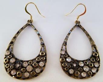 Antique gold oval dangle earrings