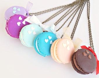 Macaron Necklace, French Macaron, Macaron Pendant, Polymer Clay Food Necklace, Macaron Jewelry, Miniature Food Jewelry, Mini Macaron
