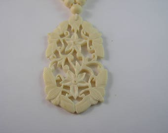 Gorgeous Double Flora Vintage Celluloid (French Ivory) Necklace