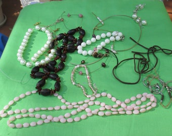 Lot Of Broken Necklace & Jewelry Pieces