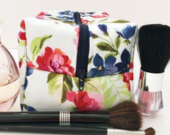 Light Blue Floral Makeup Bag, Floral Cosmetic Bag, Blue Makeup Bag, Gift for Her, Bridesmaid Gift, Monogram Bag, Gift Under 20