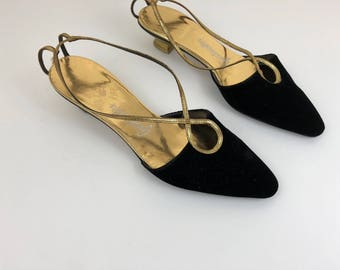 Vintage Gustinettes Black Velvet and Gold sling back pumps size 8 m.