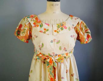 Beautiful vintage maxi dress / boho long floaty dress / 70s beige dress with orange birds and flowers / festival hippie maxi dress /