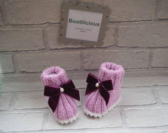 pink baby booties/knitted baby booties/baby girl booties/new baby gift/baby shower gift/baby christening gift/baby sandals/baby shoes