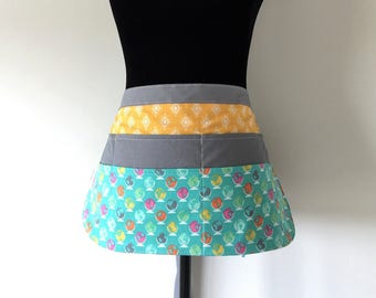 Teacher Apron // Vendor Apron // Pocket Apron // Preschool Apron // Half Apron - Globes