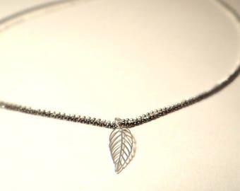 Necklace black silver leaf bi