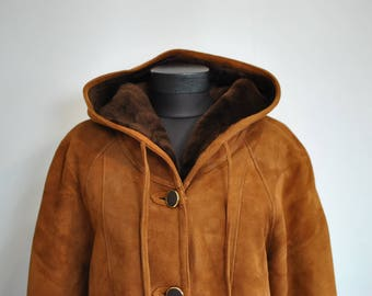 Vintage HOODED LAMBSKIN women's coat , winter parka , winter jacket.................(555)