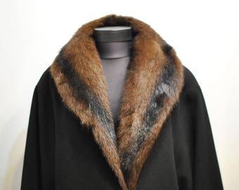 Vintage BLACK  COAT with MINK fur collar , luxurious women's coat................(646)