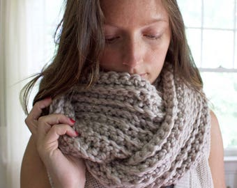 Chunky Infinity Scarf // Knit Scarf // Simply Maggie