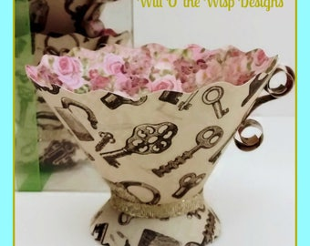 Vintage Key Paper Teacups-Box set of 5 -Alice in Wonderland-Steam Punk-Key pattern and roses-Tea Party Favors, Nut & treat Cups,