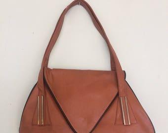 Vintage tan retro envelope flap shoulder bag