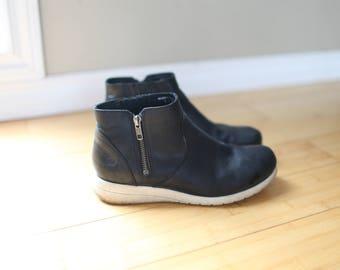 vintage born kaori black zipper ankle boots  booties womens 8
